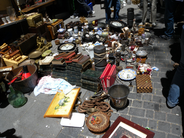 El Rastro Madrid El Rastro Fleamarket In Madrid Spain