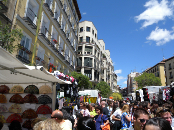 El rastro madrid el rastro fleamarket in madrid spain - Cascorro madrid rastro ...