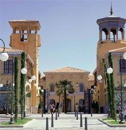 Las rozas village outlet center in madrid - Hotel las rosas madrid ...